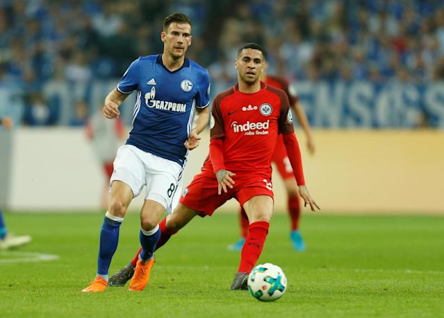 Soccer Football - DFB Cup - Schalke 04 vs Eintracht Frankfurt - Veltins-Arena, Gelsenkirchen, Germany - April 18, 2018 Schalke's Leon Goretzka in action REUTERS/Leon Kuegeler DFB RULES PROHIBIT USE IN MMS SERVICES VIA HANDHELD DEVICES UNTIL TWO HOURS AFTER A MATCH AND ANY USAGE ON INTERNET OR ONLINE MEDIA SIMULATING VIDEO FOOTAGE DURING THE MATCH.