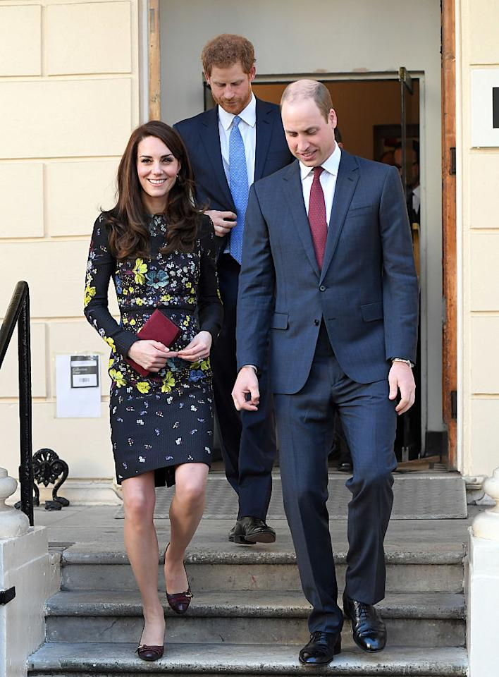 <p>On January 17th, Kate Middleton donned a winter floral dress by Erdem for a Heads Together event in London. She accessorised with an oxblood clutch and co-ordinating patent pumps. <em>[Photo: Getty]</em> </p>