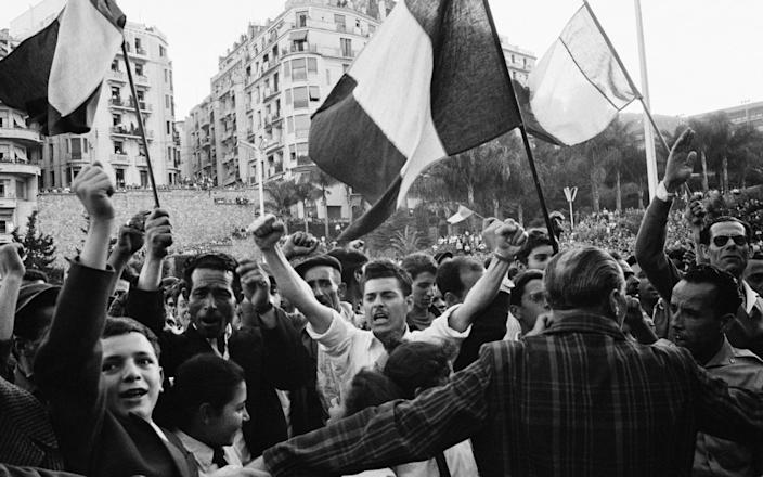 Demonstration in Algiers for French Algeria in the 1950s - Daniele Darolle/Sygma