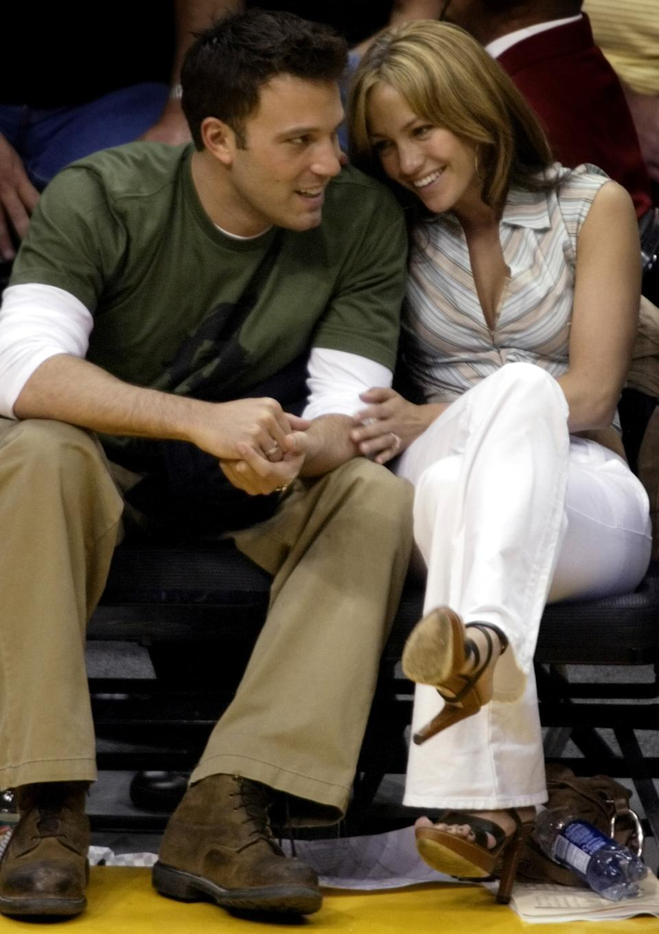 """<p>""""She is really enamored with him. [Her foot] is in his direction, he's leaning in towards her but she really adores him, learning in, grabbing."""" - Dr. Lillian Glass, body language expert (REUTERS/Mike Blake)</p>"""