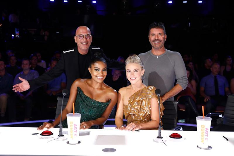 Howie Mandel, Gabrielle Union, Julianne Hough and Simon Cowell | Trae Patton/NBC