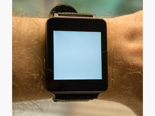 Android watch with white screen