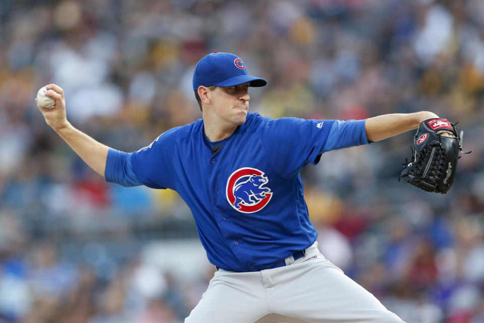 Chicago Cubs starting pitcher Kyle Hendricks throws against the Pittsburgh Pirates in the first inning of a baseball game, Friday, Aug. 16, 2019, in Pittsburgh. (AP Photo/Keith Srakocic)