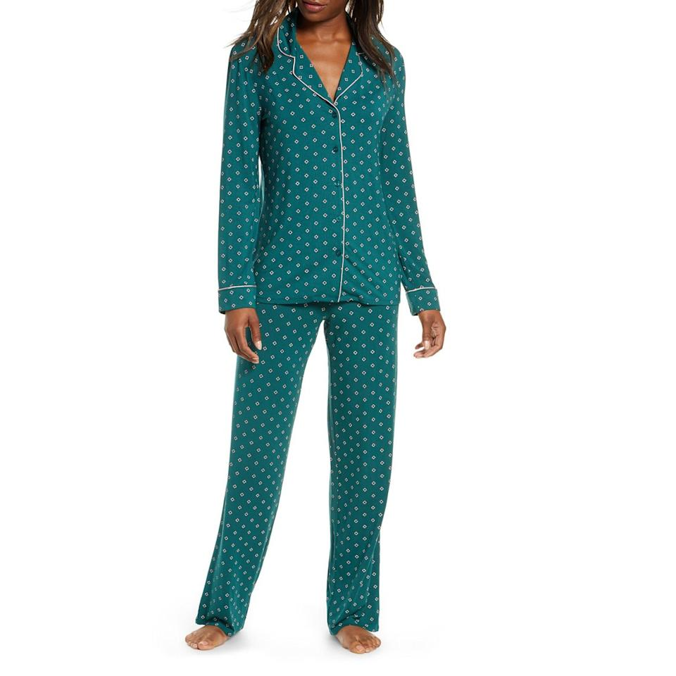 "<p>Pisces love to lounge. Help them do so in style with these cozy pajamas from Nordstrom, which come in 10 different colors and prints.  </p> <p><strong>$65</strong> (<a href=""https://click.linksynergy.com/deeplink?id=MZ9491VLjxM&mid=1237&u1=allureGGzodiacpisces&murl=https%3A%2F%2Fshop.nordstrom.com%2Fs%2Fnordstrom-lingerie-moonlight-pajamas%2F3757610%2Ffull%3Forigin%3Dcategory-personalizedsort%26breadcrumb%3DHome%252FHoliday%2520Gifts%252FGifts%2520for%2520Her%26color%3Dgrey%2520sleet%2520feathers"" rel=""nofollow"" target=""_blank"">Shop Now</a>)</p>"