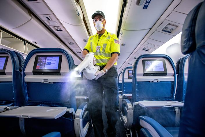 Delta Air Lines fogging