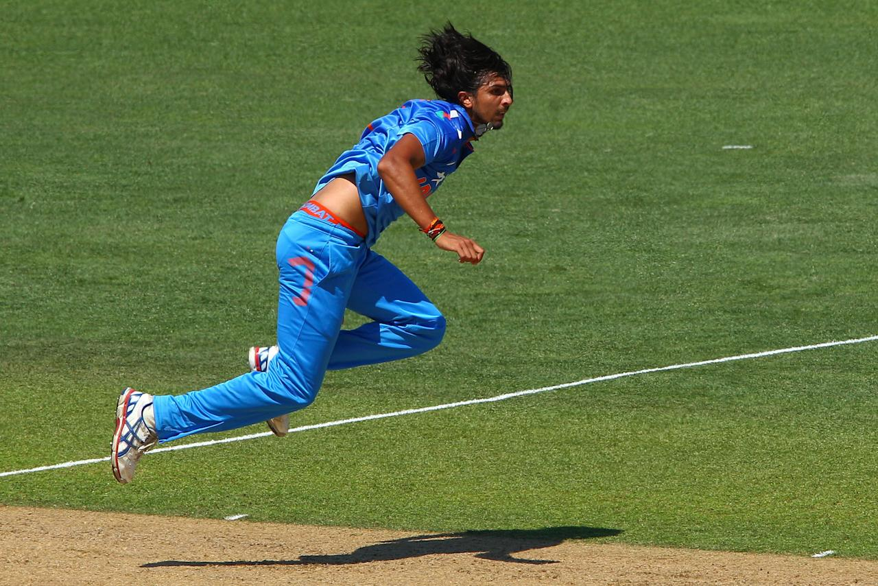 NAPIER, NEW ZEALAND - JANUARY 19:  Ishant Sharma of India bowls during the first One Day International match between New Zealand and India at McLean Park on January 19, 2014 in Napier, New Zealand.  (Photo by Hagen Hopkins/Getty Images)