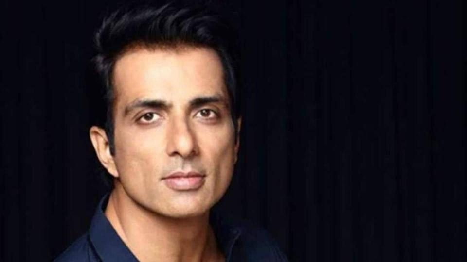 Sonu Sood contracts COVID-19, says he is under quarantine