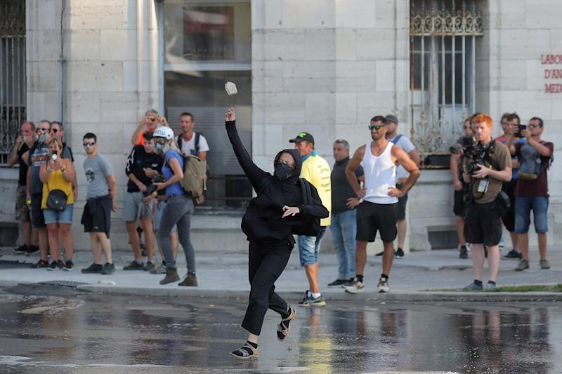 French Riot Police Fire Tear Gas, Water Cannons at Thousands of Anti-G7 Protesters