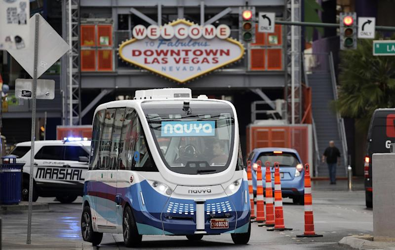 Electric self-driving shuttle bus begins testing with passengers in Las Vegas