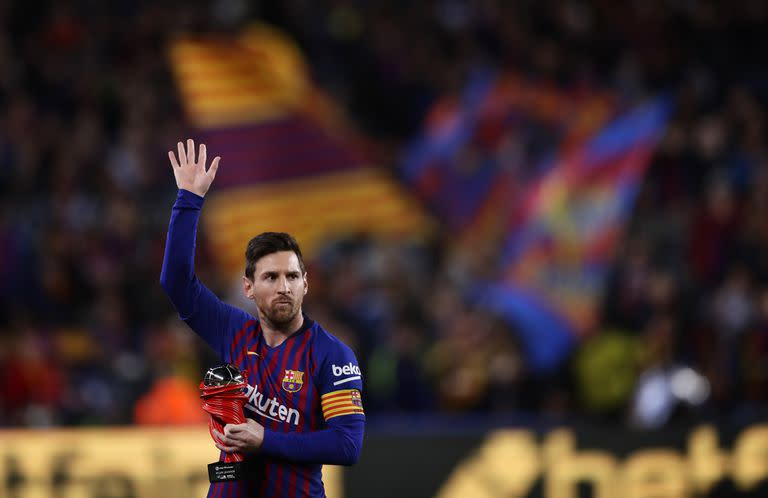 Lionel Messi with a Barcelona shirt, a souvenir;  The film already hurts Catalan fans