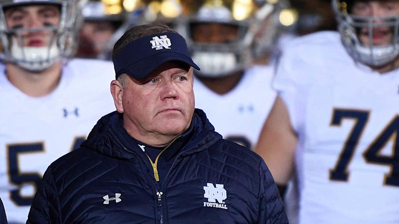 Notre Dame coach Brian Kelly traces team's coronavirus outbreak to pregame meal, player vomiting