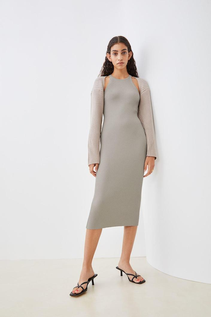 <p>How stunning will this <span>H&amp;M Rib-Knit Dress</span> ($30) look when paired with the <span>H&amp;M Rib-Knit Bolero Sweater</span> ($17, originally $20)? We're in love with this look; all you're missing is a pair of low strappy heels, and you're good to go!</p>