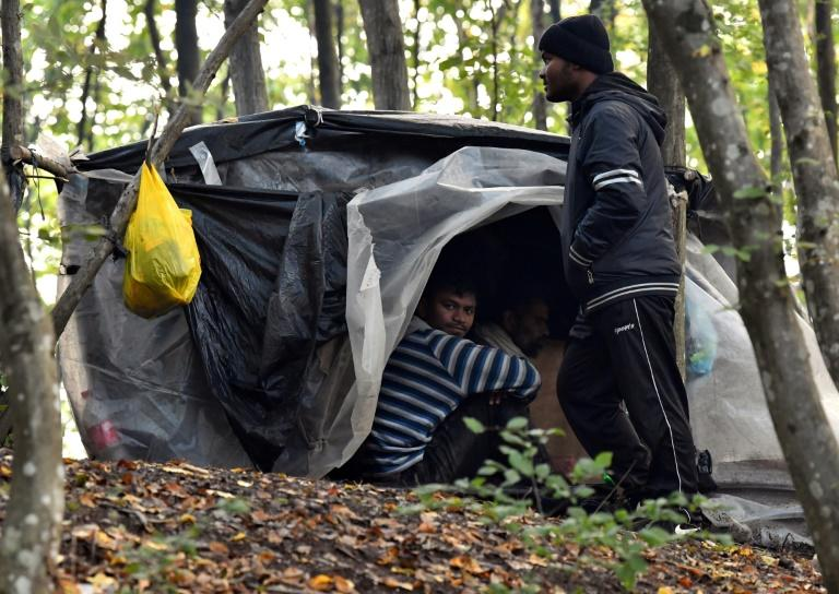 'They might as well kill us': Hundreds of migrants stuck in Bosnia