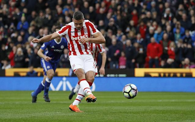 "<p>Britain Football Soccer – Stoke City v Chelsea – Premier League – bet365 Stadium – 18/3/17 Stoke City's Jonathan Walters scores their first goal from the penalty spot Reuters / Phil Noble Livepic EDITORIAL USE ONLY. No use with unauthorized audio, video, data, fixture lists, club/league logos or ""live"" services. Online in-match use limited to 45 images, no video emulation. No use in betting, games or single club/league/player publications. Please contact your account representative for further details. </p>"