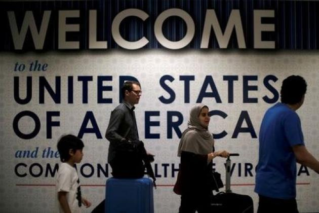 Second federal judge blocks Trump's curbs on U.S. visitors
