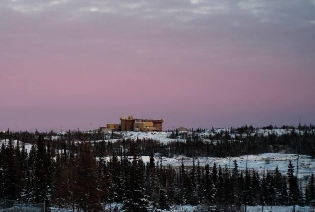 The Giant Mine in Yellowknife in 2001, a few years before it closed. It is known by many members of the YKDFN as the 'Giant Mine Monster.'  (Walter Strong/CBC - image credit)