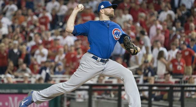 Chicago Cubs relief pitcher Wade Davis is an option for the Blue Jays if they're looking to spend big on a reliever (Michael Reynolds/EPA)