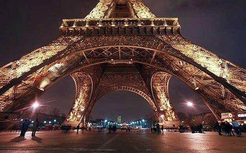 "Paris signature landmark, the Eiffel Tower. <span class=""copyright"">(AFP / Getty Images)</span>"