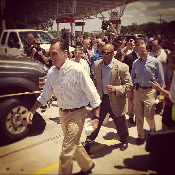 Mitt Romney meets voters in Quakertown, PA (Michael P. Falcone/ABC News)