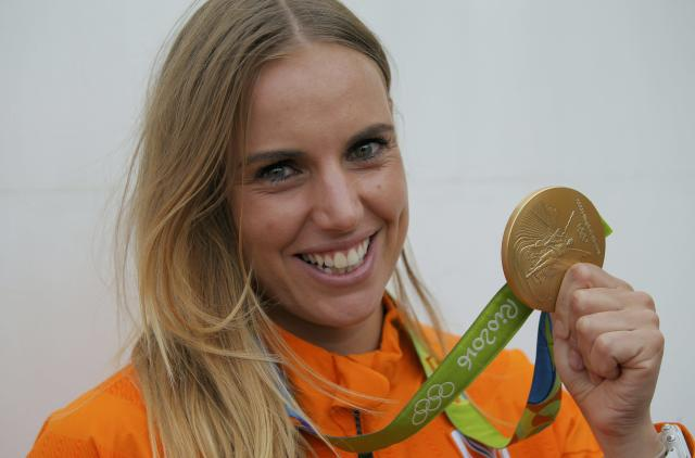 2016 Rio Olympics - Sailing - Victory Ceremony - Women's One Person Dinghy - Laser Radial - Victory Ceremony - Marina de Gloria - Rio de Janeiro, Brazil - 16/08/2016. Marit Bouwmeester (NED) of Netherlands poses with her gold medal. REUTERS/Brian Snyder FOR EDITORIAL USE ONLY. NOT FOR SALE FOR MARKETING OR ADVERTISING CAMPAIGNS.