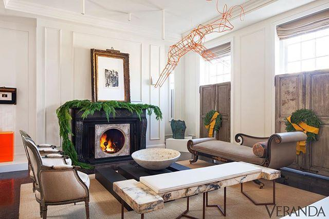 """<p>This Washington, D.C.-based talent—who left a career in law behind to pursue design—is hard to pin down, style-wise. <a href=""""https://darrylcarter.com/"""" rel=""""nofollow noopener"""" target=""""_blank"""" data-ylk=""""slk:Carter's"""" class=""""link rapid-noclick-resp"""">Carter's</a> interiors can always be sure to include antiques, but often in unexpected groupings or paired with stark, white walls or modern art. </p><p><a href=""""https://www.instagram.com/p/BrTI4mTn30s/?utm_source=ig_embed&utm_medium=loading"""" rel=""""nofollow noopener"""" target=""""_blank"""" data-ylk=""""slk:See the original post on Instagram"""" class=""""link rapid-noclick-resp"""">See the original post on Instagram</a></p>"""