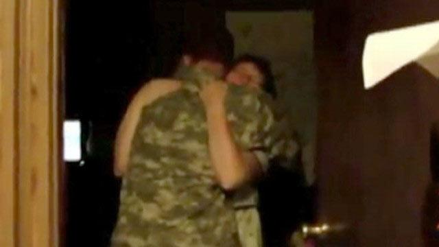 Soldier Arrives Home for Early Christmas Surprise