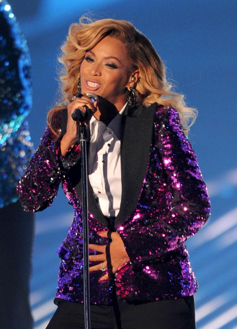 Singer Beyonce Knowles performs onstage during the 2011 MTV Video Music Awards at Nokia Theatre L.A. LIVE on August 28, 2011 in Los Angeles, California