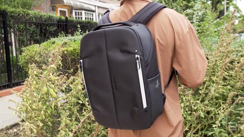 Samsonite Konnect-i smart backpack with Google Jacquard hands-on