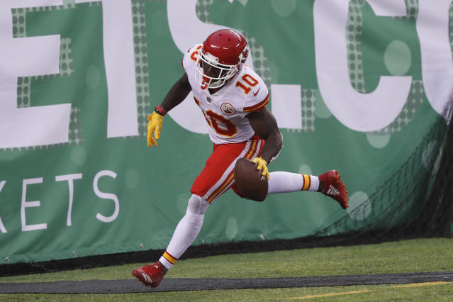 "Kansas City didn't win Sunday, but <a class=""link rapid-noclick-resp"" href=""/nfl/players/29399/"" data-ylk=""slk:Tyreek Hill"">Tyreek Hill</a> had reason to celebrate (AP/Julie Jacobson)"