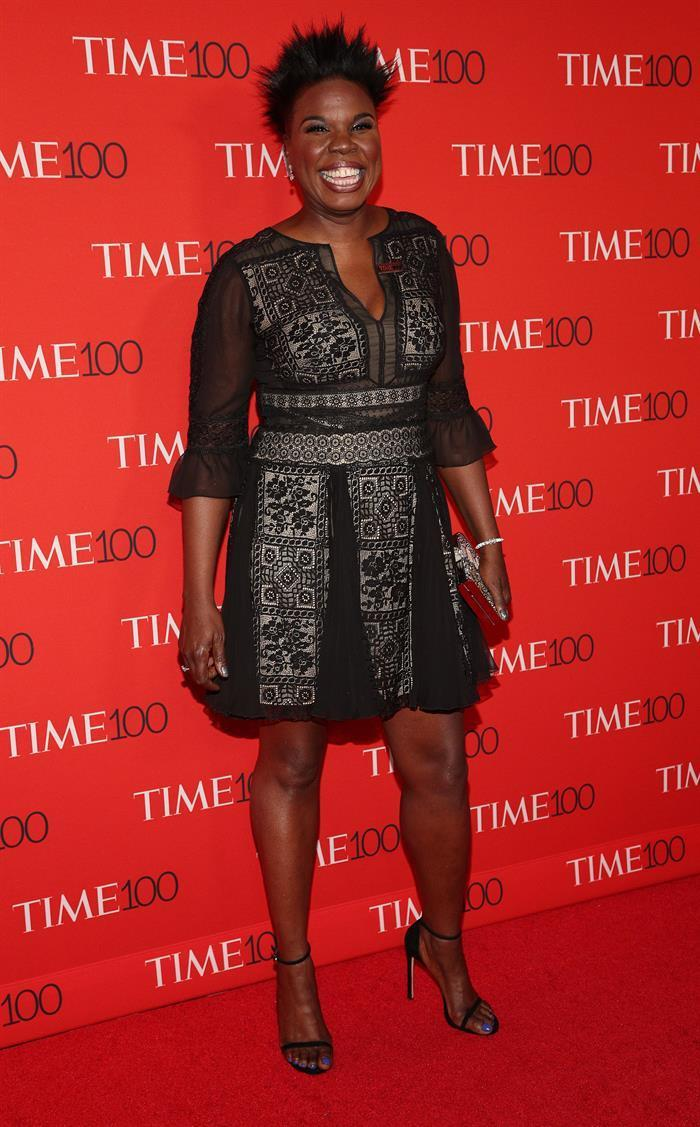 <p>The comedian paired a sheer and patterned little black dress with a big smile. (Photo: EFE) </p>