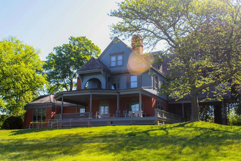 "<p>Theodore Roosevelt lived at Sagamore Hill from 1885 until his death in 1919. It became known as the ""Summer White House"" because Roosevelt continued to spend time here during his presidency, which began in 1901 and ended in 1909. This circa 1884, Queen Anne-style home is located on 83 acres and boasts 22 rooms. </p><p><a class=""link rapid-noclick-resp"" href=""https://www.nps.gov/media/video/view.htm%3Fid%3D2AD63584-155D-451F-67AEC618FCAA1EC6"" rel=""nofollow noopener"" target=""_blank"" data-ylk=""slk:TOUR NOW"">TOUR NOW</a></p>"