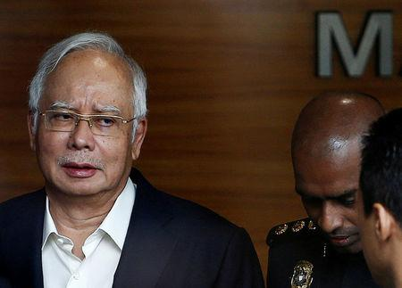 Malaysia's former prime minister Najib Razak arrives to give a statement to the Malaysian Anti-Corruption Commission (MACC) in Putrajaya, Malaysia May 24, 2018. REUTERS/Lai Seng Sin