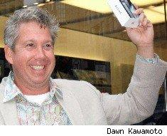 Dale Larson snags an iPhone 4 on the heels of his honeymoon
