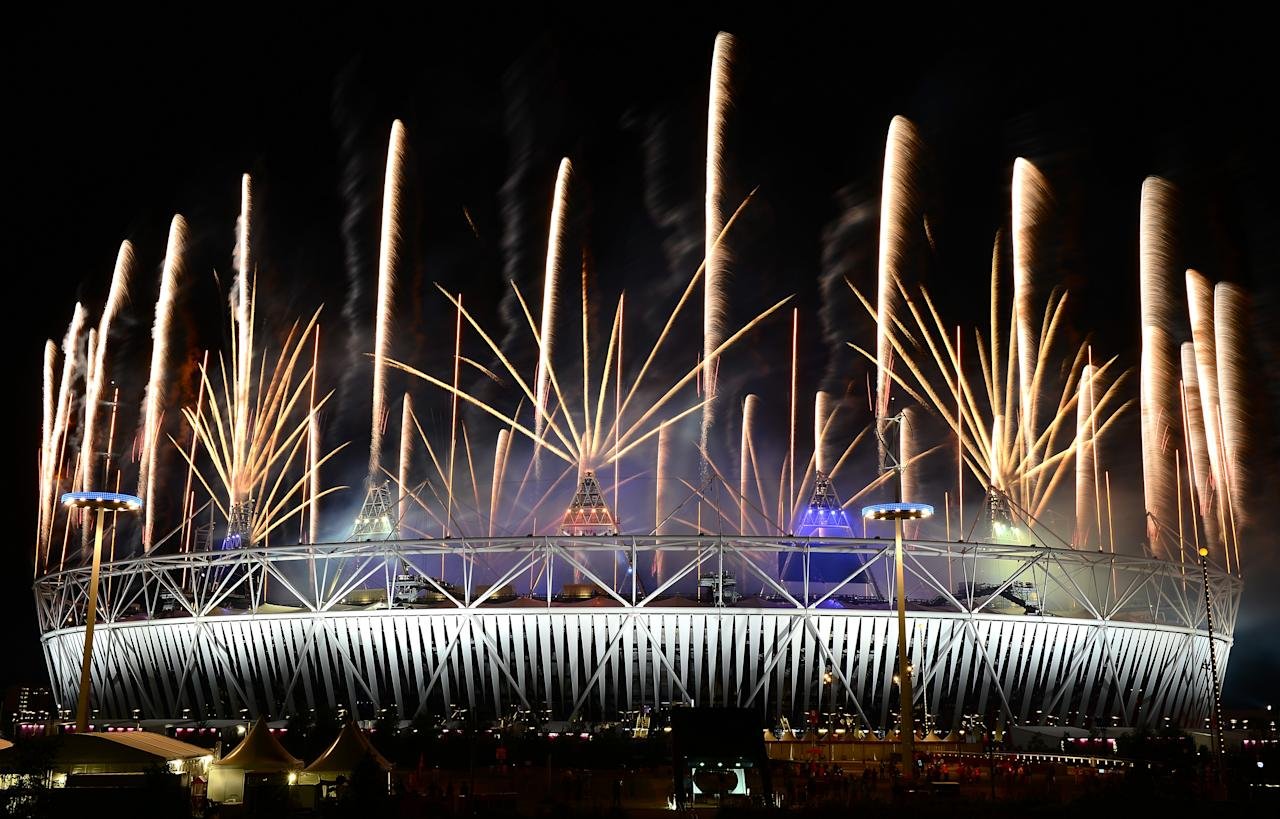 LONDON, ENGLAND - AUGUST 12:  A fireworks display at Olympic Stadium closes out the Closing Ceremony for the 2012 Summer Olympic Games on August 12, 2012 in London, England.  (Photo by Lars Baron/Getty Images)