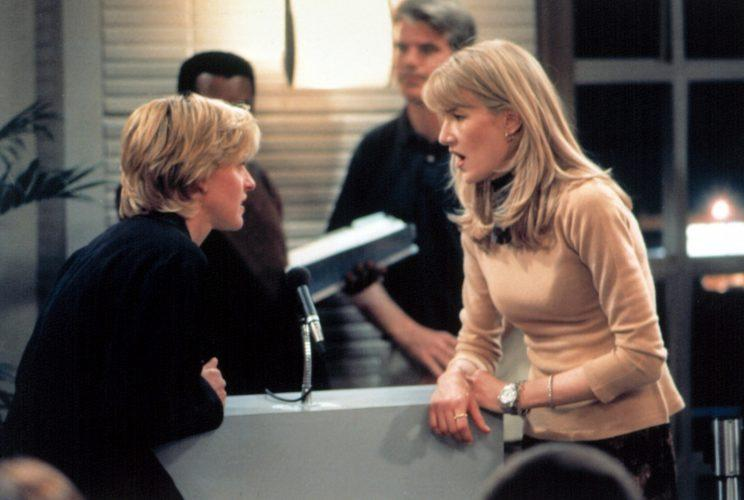 Ellen Degeneres and Laura Dern in the coming out episode of 'Ellen' in 1997 (Photo: Everett Collection)