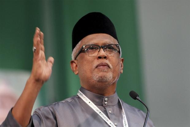 Datuk Mahfuz Omar (pic) said Hadi should not have rushed to file the proposed amendments as a private member's Bill and left the job to the federal government instead. — Picture by Yusof Mat Isa