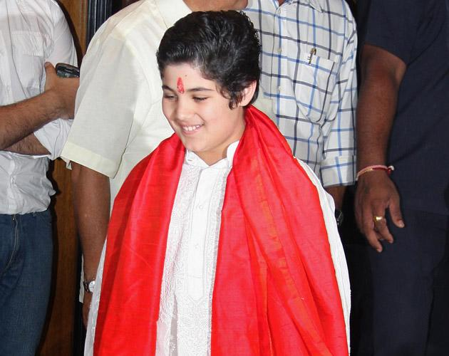 Aarav, Twinkle's son was the one to light the pyre