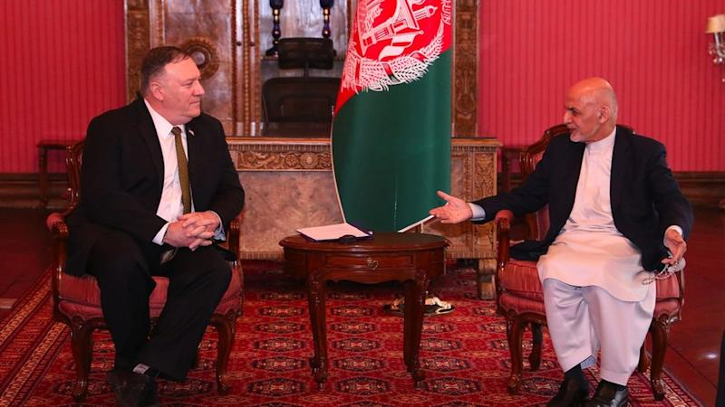 Mike Pompeo (left) in Kabul with Ashraf Ghani, 23 March