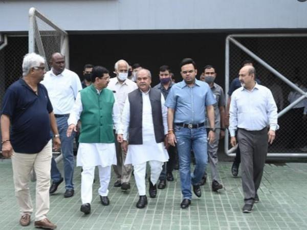 Union Minister of Coal Pralhad Joshi with Minister of Agriculture & Farmers' Welfare, Narendra Singh Tomar and BCCI Secretary Jay Shah at Narendra Modi Stadium in Ahmedabad (Photo/Twitter)