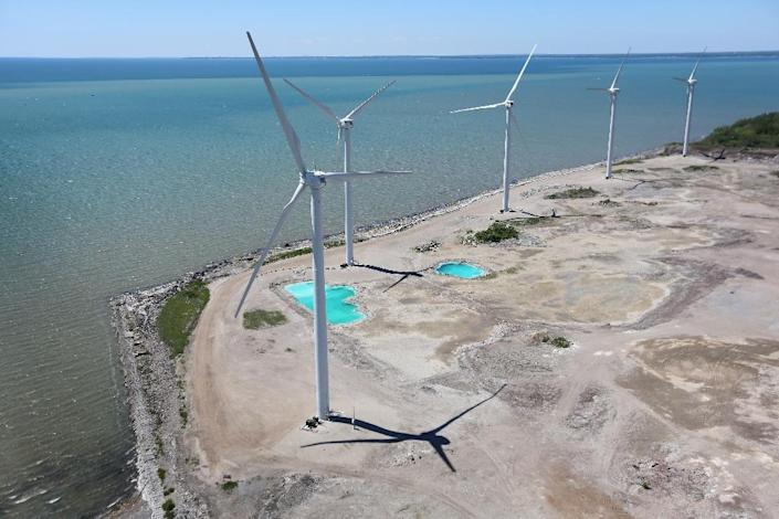 Wind power-generating capacity in Canada has increased twenty-fold in the past decade (AFP Photo/John Moore)