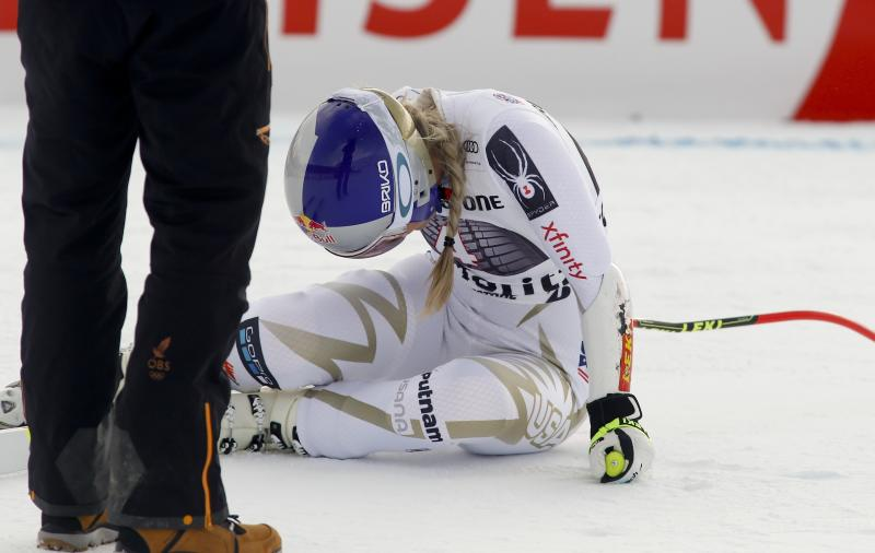 Lindsey Vonn Suffers Back Injury During 2017 World Cup Super-G Race
