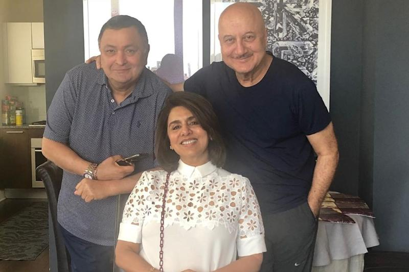 Rishi Kapoor, Neetu Singh Enjoy 'Great' Indian Food at Anupam Kher's House in New York, See Pics