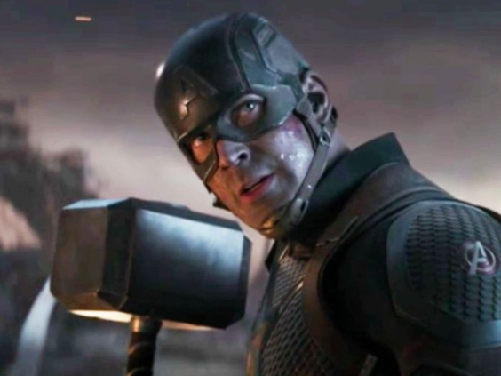 Captain America lifted Thor's hammer in 'Avengers: Endgame' (Marvel Studios)