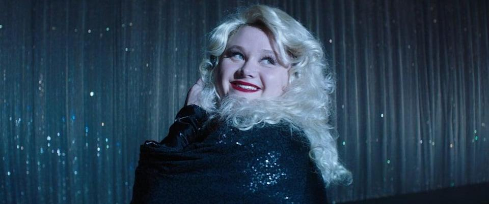 """<p>Based on the bestselling book by Julie Murphy, this flick follows an outspoken, curvy, Dolly Parton-obsessed teenager named Willowdean (played by Danielle Macdonald) as she navigates life under the rule of her overbearing pageant-queen mother (played by <a class=""""link rapid-noclick-resp"""" href=""""https://www.popsugar.co.uk/Jennifer-Aniston"""" rel=""""nofollow noopener"""" target=""""_blank"""" data-ylk=""""slk:Jennifer Aniston"""">Jennifer Aniston</a>) in a small town Texas. Willowdean decides to regain her confidence by entering the beauty pageant run by her mother, and though her insanely sweet romance with private school student Bo is secondary to the plot, it's still adorable enough to garner <strong>Dumplin'</strong> a place on this list.</p> <p><a href=""""http://www.netflix.com/title/80201490"""" class=""""link rapid-noclick-resp"""" rel=""""nofollow noopener"""" target=""""_blank"""" data-ylk=""""slk:Watch Dumplin' on Netflix now."""">Watch <strong>Dumplin'</strong> on Netflix now.</a></p>"""