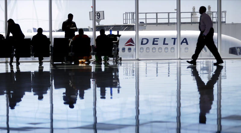 Delta OKs offers of up to $9,950 to flyers who give up seats