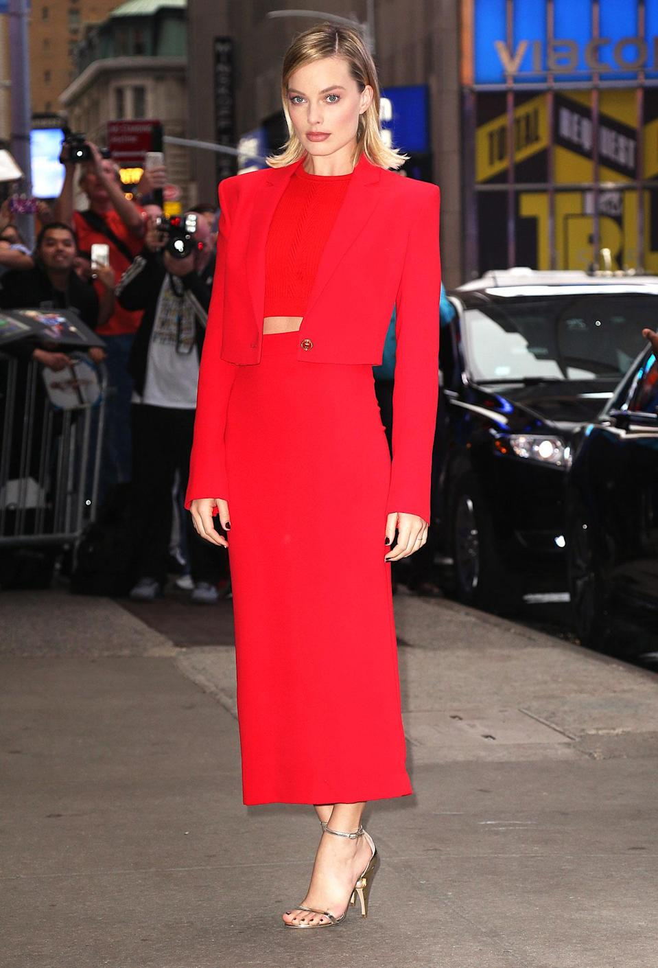 <h2>In Versace And Nicholas Kirkwood Heels</h2> <p>Arriving for an appearance on <em>Good Morning America</em> in New York City, 2017</p> <h4>Splash News</h4>