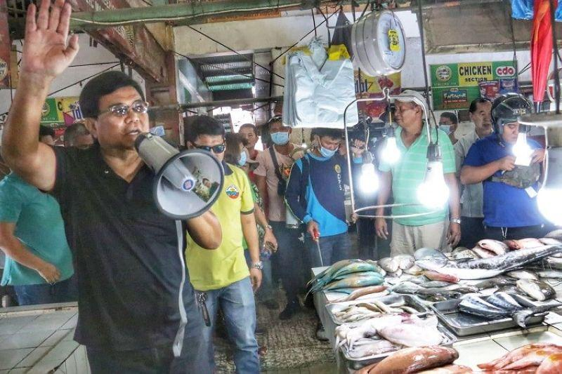 Cebu City conducts disinfection, cleanup drive in markets amid Covid-19