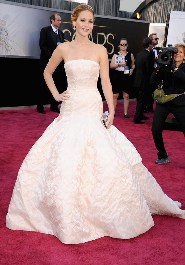 Jennifer Lawrence opted for romantic ruffles in a blush Dior Haute Couture gown ©Getty
