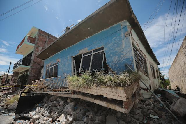 <p>A house is seen in Jojutla streets three days after the magnitude 7.1 earthquake jolted central Mexico killing more than 250 hundred people, damaging buildings, knocking out power and causing alarm throughout the capital on Sept. 22, 2017 in Mexico City, Mexico. (Photo: Hector Vivas/Getty Images) </p>