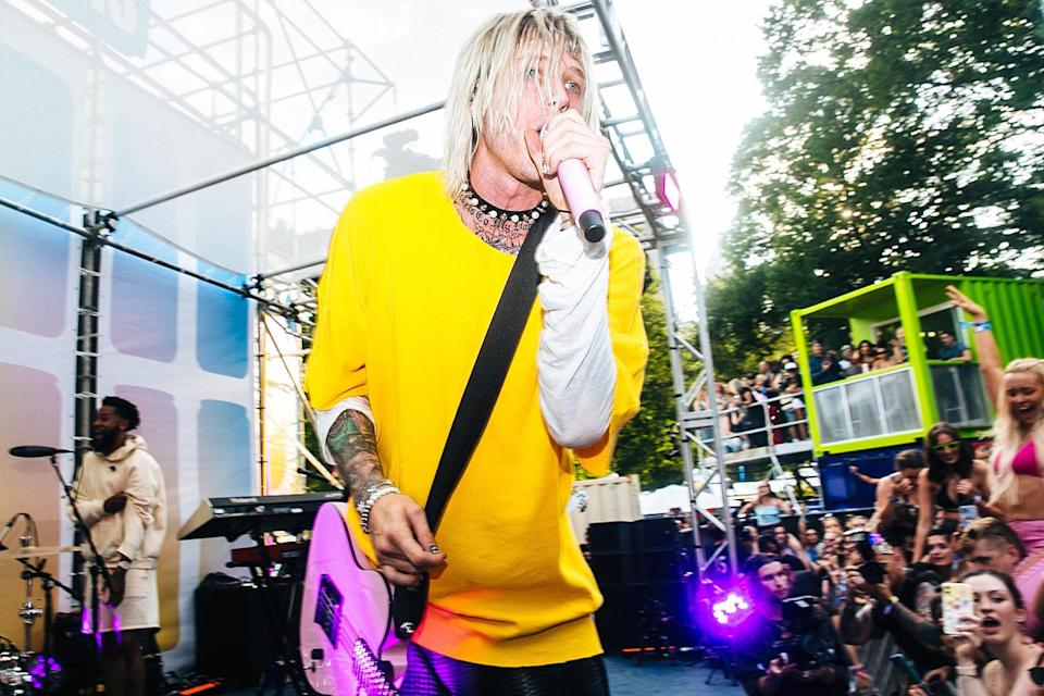 <p>Machine Gun Kelly surprises fans with a secret performance on the Bud Light Seltzer Sessions stage at Lollapalooza in Chicago.</p>
